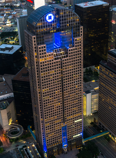 Exterior photo of Chase Tower, Dallas, TX 75201
